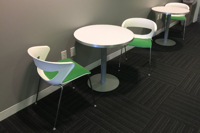Round Breakroom Table With 2 Chairs