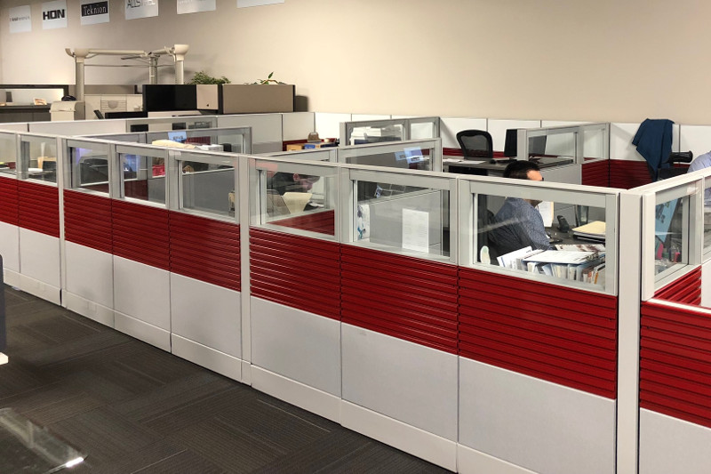 remanufactured cubicle red and white